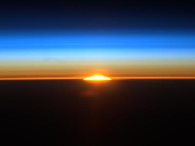 Изгрев от Космоса